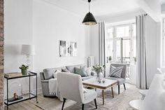 33 Amazing Small Apartment Decorating Ideas on a Budget - Backyard Decoration Small Studio Apartments, Small Apartment Living, Small Living, Home And Living, Scandinavian Interior, Home Interior, Living Room Interior, Interior Design, Rustic Country Homes
