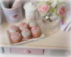 Tray of cupcakes .Dollhouse Miniature 1/12 th Scale by Mundorosa, €12.00
