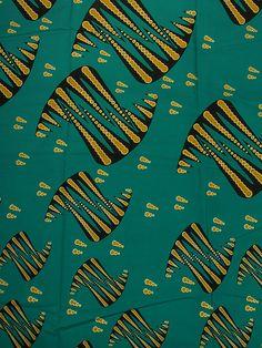 Pagne africain ciré tissu africain motif rose au fond gris foncé rw21735