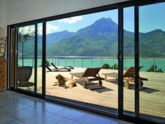 Grande baie vitrée 4 vantaux ouvrant sur une terrasse bois Exterior, Archery, Home Projects, Windows, Nature, Multiplication, Design, Extensions, Home Decor