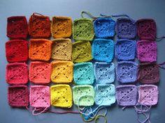 Transcendent Crochet a Solid Granny Square Ideas. Inconceivable Crochet a Solid Granny Square Ideas. Joining Granny Squares, Granny Square Pattern Free, Granny Square Häkelanleitung, Granny Square Tutorial, Granny Square Projects, Crochet Blocks, Granny Square Crochet Pattern, Crochet Squares, Crochet Granny