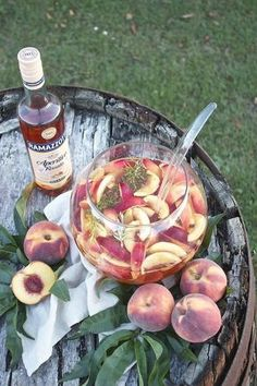 Sommerliche Pfirsich Bowle - Sweets and Lifestyle Sommerliche fruchtige Pfirsich Bowle mit Ramazzotti Aperitivo Rosato von Sweets and Lifestyle Healthy Eating Tips, Healthy Nutrition, Healthy Foods To Eat, Healthy Life, Healthy Recipes, Drinks Alcoholicas, Non Alcoholic Drinks, Summer Drinks, Cocktails