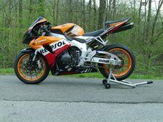 Repsol Vs. Konica Minolta : Honda CBR 600RR Sportbike Forum : 600RR.Net