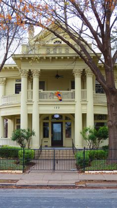 Take a walk through King William District, San Antonio, TX to see all historic houses.