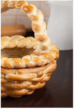 With Picture Instructions:Edible bread basket Easter ideas for kids, Easter food ideas, Easter basket crafts, wicker Easter basket Easter Bread Recipe, Easter Recipes, Holiday Recipes, Easter Ideas, Easter Dinner, Easter Brunch, Easter Food, Bunny Bread, Bread Recipes