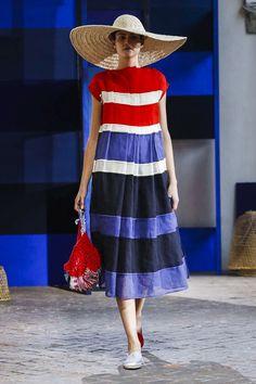 3b368bc5b87 Daniela Gregis Fashion Show Ready to Wear Collection Spring Summer 2018 in  Milan Holiday Wear