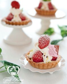 New baking class in April. Lovely strawberry mini tart at baking school in the hart of Tokyo:))