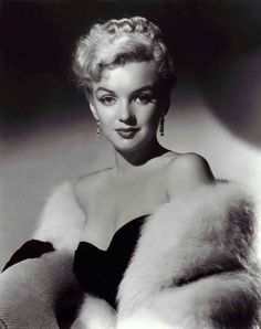 Marilyn Monroe (classic-hollywood-glam: Marilyn Monroe)