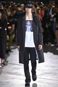 Raf Simons Spring 2017 Collection Fashion Show - Pitti Uomo guest designer - Milan Men Fashionweek - Bxy Frey