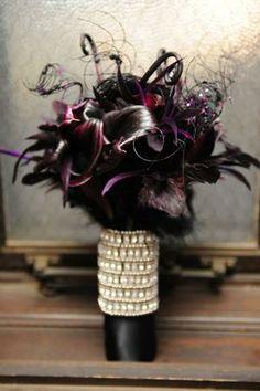 Earthy Dark Wedding flowers | 34 Halloween Wedding Bouquets With Dark Romance Touches