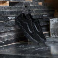 3007b3f7434 Vans Old Skool (Suede) Black  Black  Black - Footshop