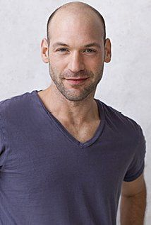 Corey Stoll and Peter sarsgaard could play brothers.