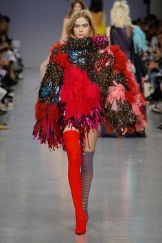 See the complete Central Saint Martins Fall 2017 Ready-to-Wear collection.