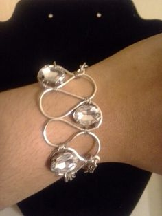 #wireweavecuff demo for jewelry class I teach at #michaels