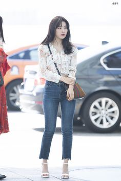"""""""seulgi's finest airport outfits a thread ✨"""" Nude Outfits, Basic Outfits, Kpop Outfits, Korean Outfits, Airport Outfits, Ulzzang Fashion, Kpop Fashion, Asian Fashion, Airport Fashion"""