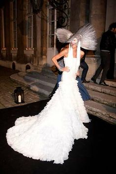 Anna Dello Russo at Vogue Paris' Anniversary Masquerade Ball Anna Dello Russo, Lady Gaga, Halloween Costumes Pictures, Sheer Gown, Gareth Pugh, Masquerade Party, Glamour, White Gowns, Emilio Pucci