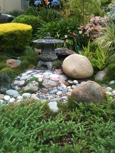 Pond-inspiration Rocks and low moss or creeper with larger plants and yard art for drama And a bench of course Japanese Rock Garden, Zen Rock Garden, Sacred Garden, Moss Garden, Water Garden, Garden Art, Japanese Gardens, Landscaping With Rocks, Front Yard Landscaping