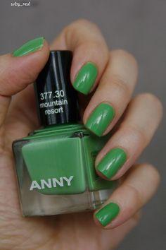 anny toenail
