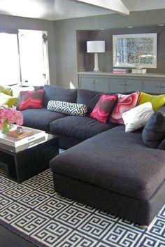 No me gustan mucho las alfombras, pero me encanta como se ve esta sala!