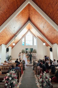 Church Wedding Decorations, Table Decorations, Paz Interior, Princess Wedding, Marry Me, Wedding Pictures, Wedding Ceremony, Dream Wedding, Big Day