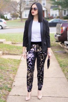 fabulous Christmas outfit inspiration which can also work for New Years Eve - white top, black blazer, sequin leggings, nude pumps, and black Michael Kors clutch. Head over to www.OneAwesomeMomma.com for more Christmas outfits & New Years Eve outfits. #christmasstyle #christmasoutfit #holidaystyle #holidayoutfit #newyearseveoutfit #newyearseveoutfitidea