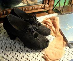 Vintage 1940s Peep Toe Suede Shoes