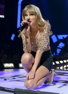 iheart radio music awards perfomance