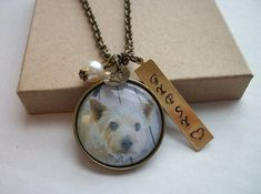 The perfect gift for someone to show off their favorite pet! Also a great gift for the memory of a pet that is no longer with them; in remembrance.