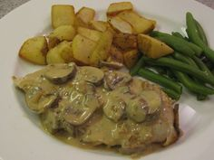 Chicken with Boursin Mushroom Sauce (super yummy and quick! Boursin Recipes, Cheese Recipes, Cooking Recipes, Healthy Recipes, Mushroom Sauce, Fall Dinner, Family Meals, Chicken Recipes, Stuffed Mushrooms