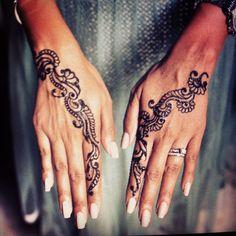 Love This Simple Design Henna Mehndi, Henna Art, Mehendi, Lace Tattoo, I Tattoo, Body Art Tattoos, Hand Tattoos, Tatoos, Henna Tattoo Designs Arm