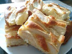 """750g vous propose la recette """"Gâteau aux petits suisses et pommes"""" publiée par 750 grammes."""