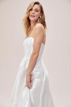Available to try in Sydney and Melbourne #wedding #australianwedding #melbournebride #sydneybride #bohobride #bride #ausbride #australianbride #realbride #weddinginspiration #melbourne #sydney #elopement #covidwedding #weddinginspo #romanticbride #romanticwedding #bridesmaids #bridesmaidgowns #bridal #bridalgown #weddingdress #affordablebridal #australianbride #australianbridal #couture #lacewedding #laceweddingdress #shortweddingdress #tealengthweddingdress #engagementdress #bridalshower Tea Length Wedding Dress, One Shoulder Wedding Dress, Bridal Gowns, Wedding Gowns, Affordable Bridal, Engagement Dresses, Melbourne Wedding, Little White Dresses, Boho Bride