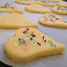 biscotti di pasta frolla #coffee #cookies #biscuits #biscotti #caffè #colazione #buongiorno #breakfast #merenda #italianfood #food #dolci #cake #goodmorning #ricetta #recipe #misspetitefraise #foodblogger recipe, ricetta: https://www.facebook.com/Misspetitefraise14/photos/pb.601604459979638.-2207520000.1444670132./602465226560228/?type=3&theater