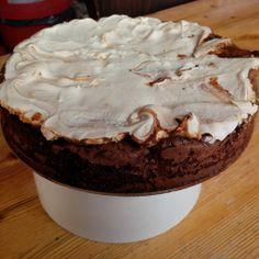 Chocolade Schuimtaart Pie, Desserts, Food, Torte, Postres, Tart, Fruit Cakes, Deserts, Hoods