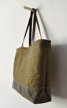 TOTE BAG - wool/waxed canvas