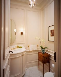 Eye For Design: Decorating Traditional, Old World Style Powder Rooms