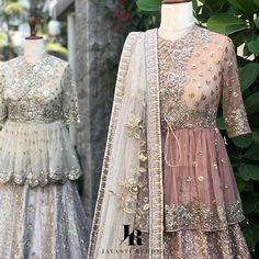 Image may contain: one or more people and people standing Asian Wedding Dress, Pakistani Wedding Dresses, Asian Bridal, Pakistani Suits, Shadi Dresses, Indian Dresses, Indian Outfits, Designer Anarkali Dresses, Designer Dresses