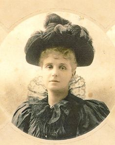 Clara Jerome.  Daughter of Leonard Jerome.  Married Moreton Frewen MP.   The couple had four children Hugh, Clare, Sheridan and Oswald.