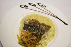 Disfruta de los platos sin carne del Restaurante la Espadaña. Bacalao con verduras. www.restauranteespadana.es