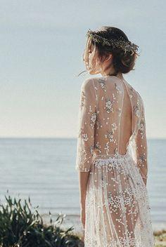 Une robe de mariée transparente
