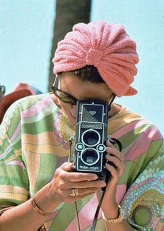 Grace Kelly with a Rolleiflex Magic model II - Famous people with Rolleiflex TLR Cameras