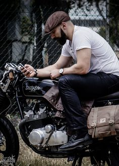 McCoy Drivers Cap - A beautifully handcrafted leather cap made from premium grade lambs leather.   Also in this shot the Jack Stillman Indiana Pannier attached to a 1985 Suzuki Katana.