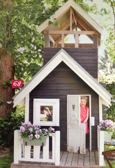 Cute play cottage