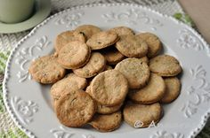 Khara Biscuits are a typically Indian bakery biscuit. Khara means salty or savou. - Khara Biscuits are a typically Indian bakery biscuit. Khara means salty or savoury, and this biscui - Indian Food Recipes, Gourmet Recipes, Baking Recipes, Soup Recipes, Vegan Recipes, Nan Khatai, Mousaka Recipe, Passionfruit Recipes, Eggless Baking