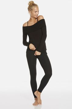Can still dress to impress for the gym with this cute outfit from #Fabletics ! #WishItSweeps ! <3