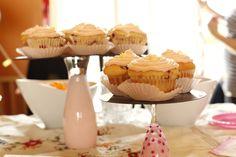 Shower bébé Cindy et Matthieu 2014. Cupcakes Framboises et glaçage au fromage à la crème.