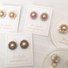 画像に含まれている可能性があるもの:2人 Beaded Earrings, Earrings Handmade, Handmade Jewelry, Craft Accessories, Handmade Accessories, Diy Jewelry, Jewelery, Fashion Jewelry, Hand Embroidery Patterns