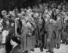 Soldiers of the 8th Division waiting transport before the invasion of the Great Wall (winter 1933)