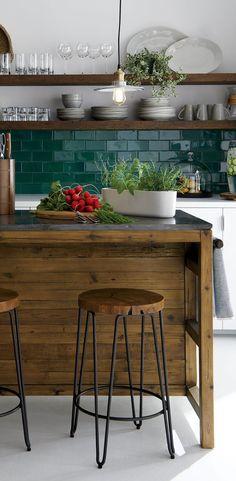 25 Contrasting Kitchen Island Ideas For A Statement - Küche - Home Sweet Home Kitchen Interior, New Kitchen, Kitchen Dining, Kitchen White, Apartment Kitchen, Kitchen Small, Design Kitchen, Small Dining, Earthy Kitchen