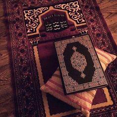 tahapan mencinta al-quran yang benar - my ely Islamic Wallpaper Hd, Quran Wallpaper, Mecca Wallpaper, Muslim Images, Islamic Images, Islamic Pictures, Islam Muslim, Allah Islam, Mecca Islam